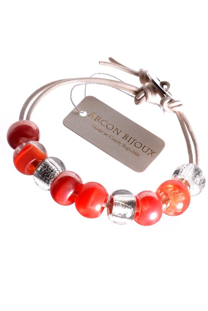 Jablonecká bižuterie - červený náramek ze skleněných perlí a kůže ... 86eff18c655