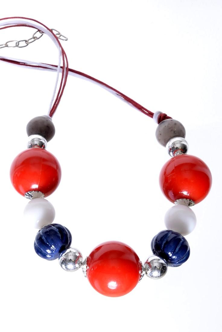 Jablonecká bižuterie - červený náhrdelník z českého plastu. Arcon ... 89e94d51b18